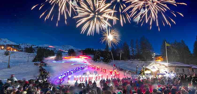france_paradiski-ski_les-arcs_fire_works.jpg